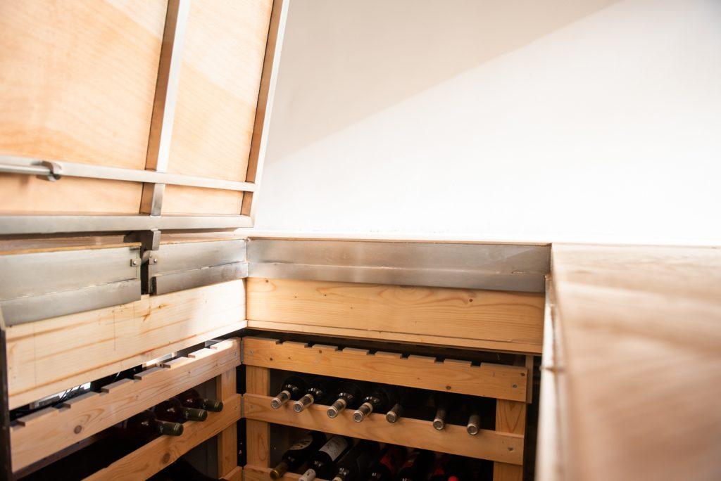 houten-vloerluik-wijnkelder